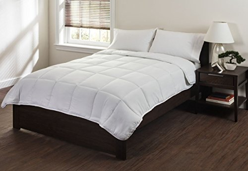 lightweight super soft microfiber comforter cozy filling down alternative comforter by. Black Bedroom Furniture Sets. Home Design Ideas