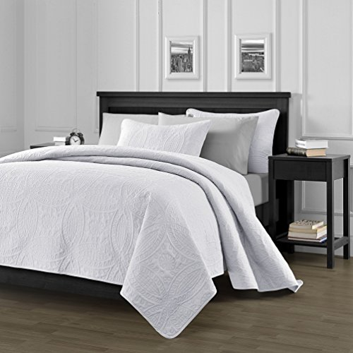 Chezmoi Collection 3 Piece 118 by 106″ Austin Oversized Bedspread Coverlet Set, King, White