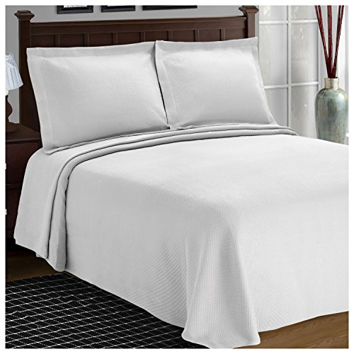 Superior Diamond Solitaire Jacquard Matelassé 100% Premium Cotton Bedspread with Matching Shams, Queen, White