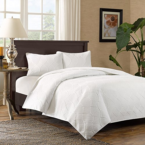 Ultra Soft Microfiber Bed Quilts Quilted Coverlet – Madison Park Corrine King/Cal King Size Quilt Bedding Set – 3 Piece Bedding Quilt Coverlets – White, Patterned Texture